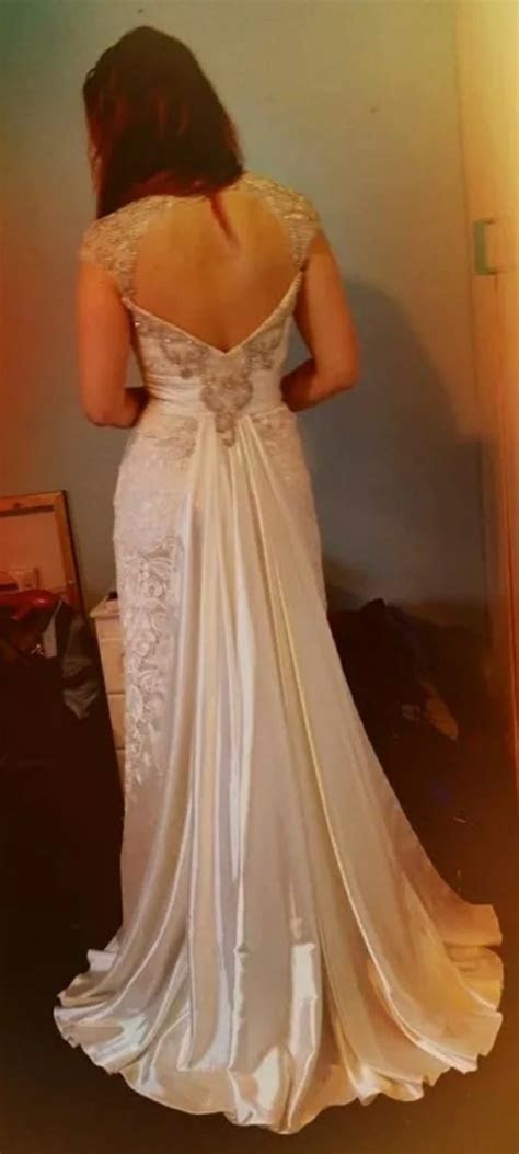 Diversity Design ? Unique vintage lace wedding dress