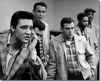 www.elvispresleymusic.com.au/pictures/img/elvis/50s/58/1958-march-24-3.jpg
