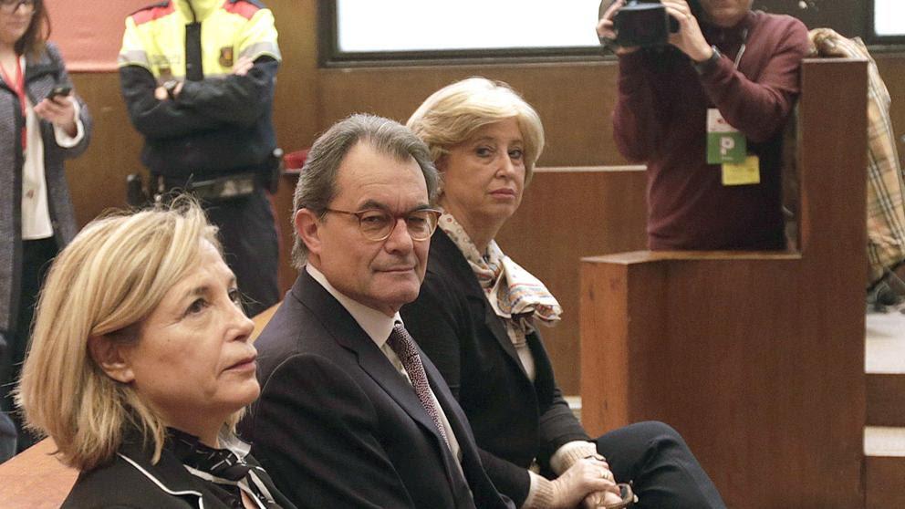 Mas, Ortega y Rigau recurren la sentencia del 9N porque vulnera la Constitución
