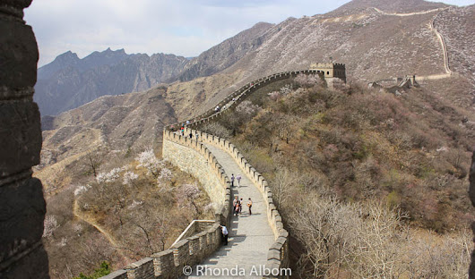 Where to walk the Great Wall of China: Mutianyu or Badaling