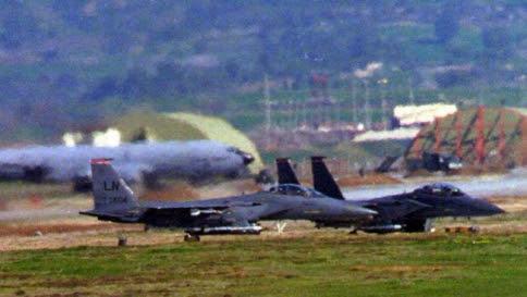 Tensione tra Turchia e Russia, la Nato manda navi, caccia e aerei radar