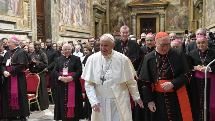 Le Pape aux personnes âgées: la vieillesse, période de fécondité renouvelée