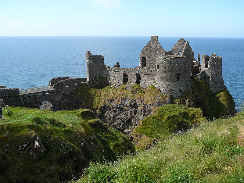 File:Brinkview Dunluce Castle.jpg