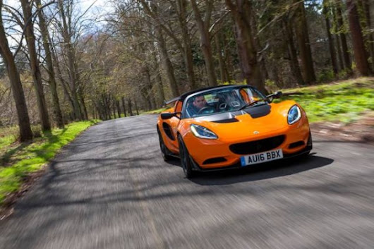 Lotus Elise receives Autocar Readers' Champion Award | The Lotus Forums