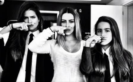 Cleo com as irmãs, Antonia e Ana