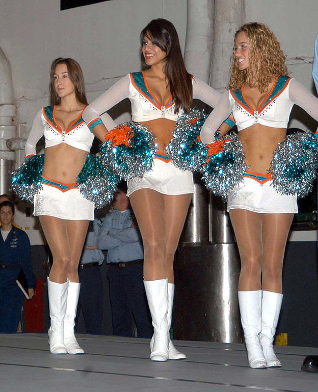 cheer leaders with shiney legs