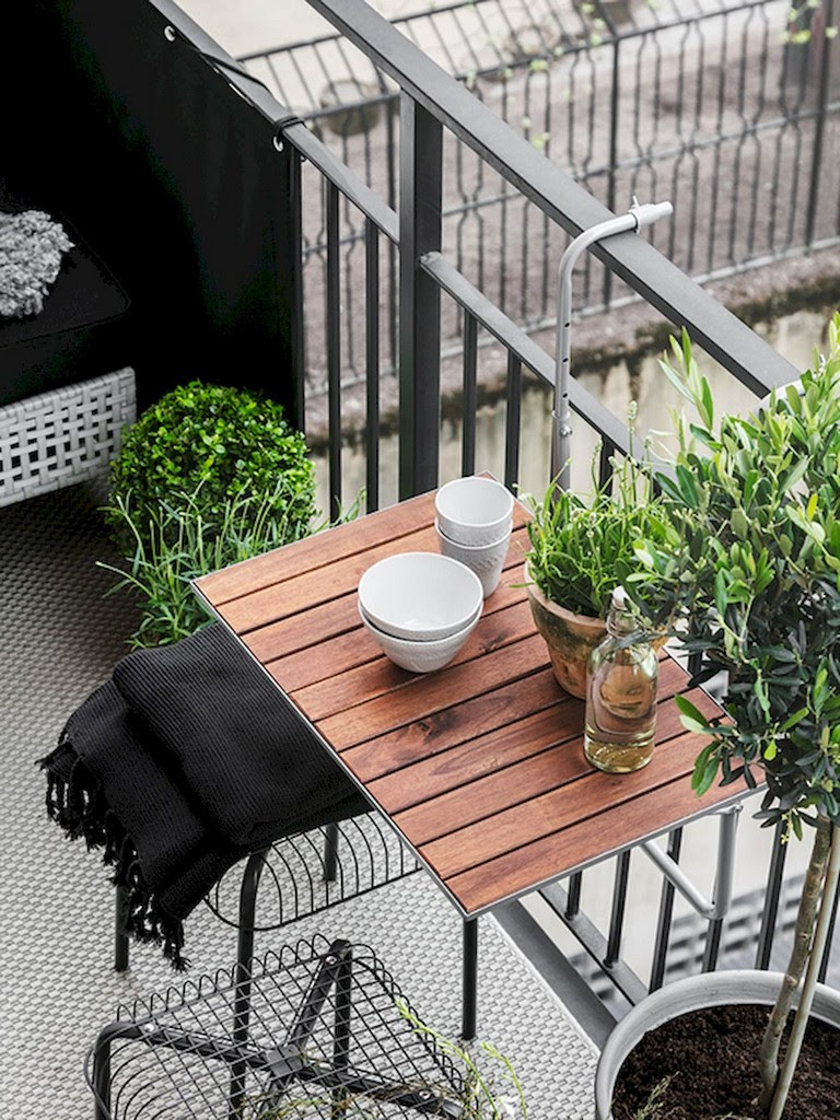 14 Beautiful Apartment Balcony Decorating Ideas on A Budget