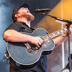 Luke Combs Sings His Future Wife — And Houston — A Love Song In A Smashingly Sweet Rodeo Debut - Papercity Magazine