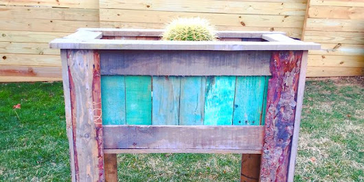 How to make a tall planter box from pallet wood