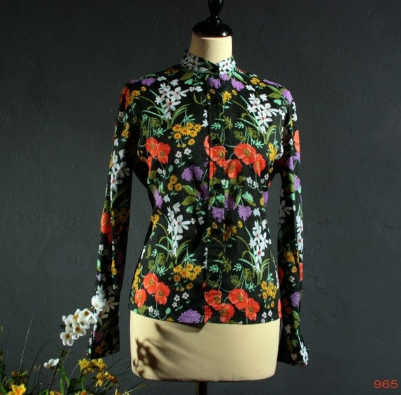 Vintage georgette BLACK FIELD of FLOWERS colorful RUSSIAN BABUSHKA style blouse, size Medium, size M
