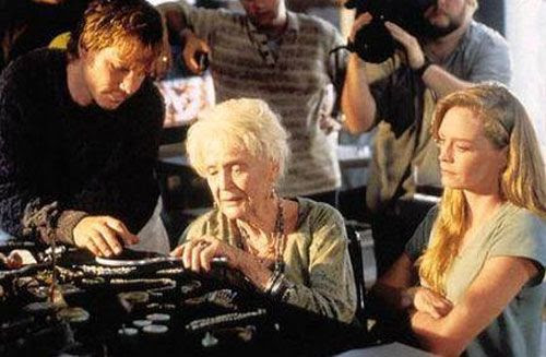 Gloria Stuart, with Bill Paxton and Suzy Amis, in a scene from TITANIC.