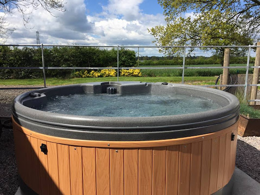 Hot Tub Hire Manchester - from £31/day - HotTubHireWigan.co.uk