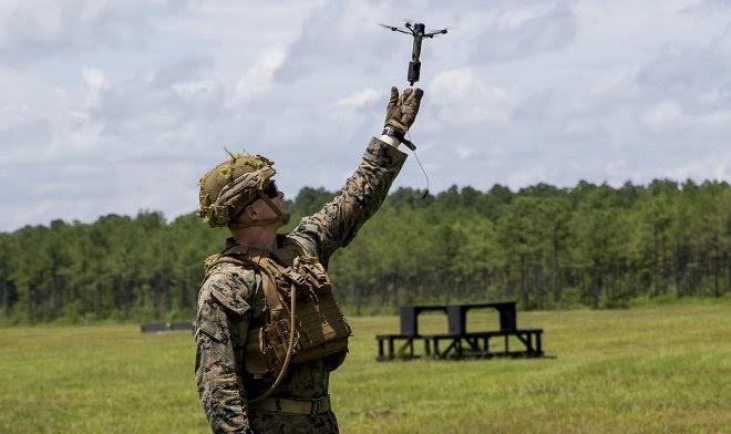 Американские морпехи экспериментируют с крошечными дронами-носителями взрывных устройств