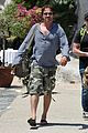 gerard butler waves to fans 02