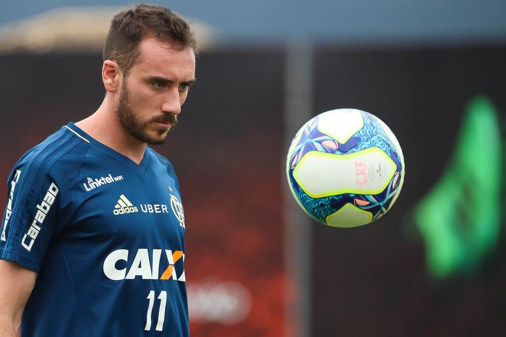 Mancuello está no Flamengo desde o ano passado. Não foi relacionado para a Argentina (Foto: Gilvan de Souza/Divulgação Flamengo)