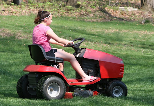 Key Advantages Of Using Ride On Mowers In The Gardens - PropertyFindsAsia.com