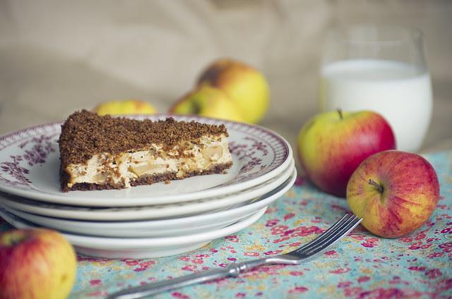 Leiva-õunakook / Rye bread and apple cake
