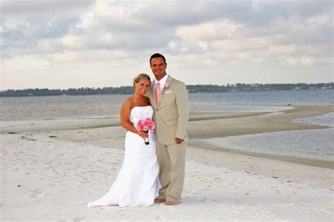 Real Navarre Beach Wedding: Holly and Christopher » Panama