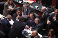 Legisladores del PRI durante la discusión de la Reforma Laboral en el Senado. Foto: Benjamin Flores