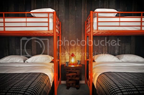 Front-on-LQQ-Bunks-and-Lamp3