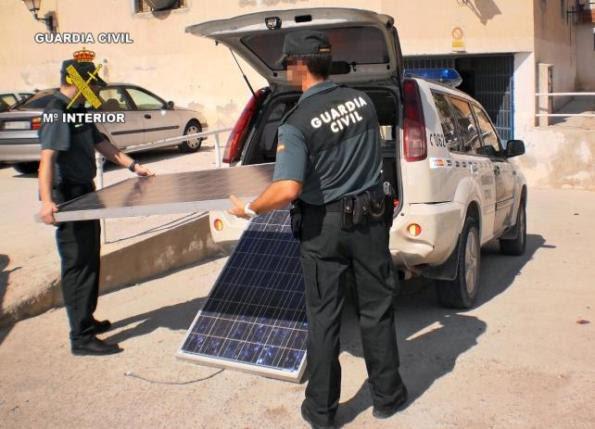 EL GOBIERNO ESPAÑOL PRIVATIZA LA ENERGIA DEL SOL CON MULTAS DE HASTA 3O MILLONES DE EUROS
