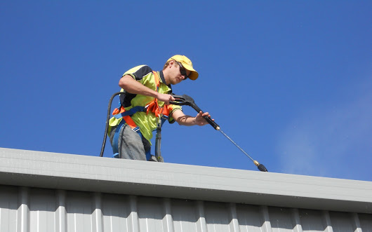 Keeping Your Gutters Clean | High Pressure Cleaning Perth