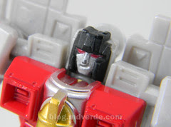 Transformers Starscream Reveal the Shield Legends - modo robot