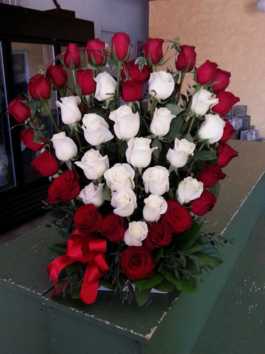 Rosita's Flowers | San Diego Flower Shop | Buy your loved one a bouquet from Rosita's Flowers