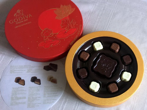 "Dr. Chocolate Appointment: Godiva's ""Mooncake"" Collection"