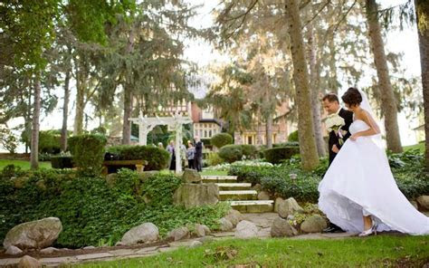 Outdoor Wedding Ceremony Locations   The English Inn