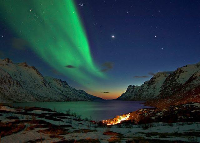 Magical Pictures of Aurora Borealis (17 pics)
