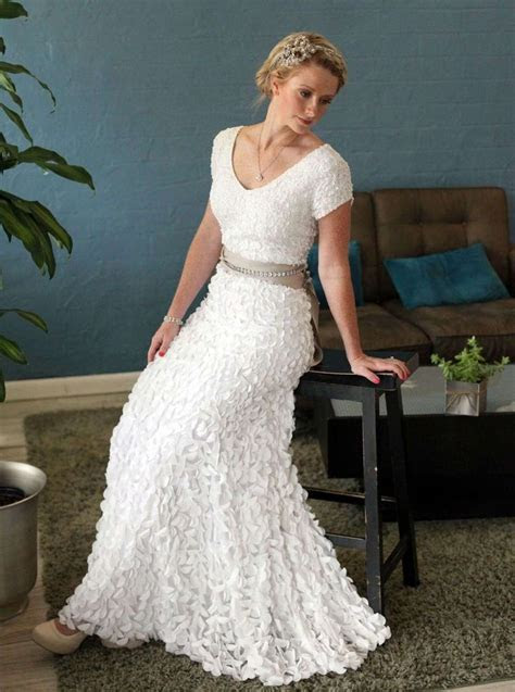 Best 25  Older bride dresses ideas on Pinterest   Mature