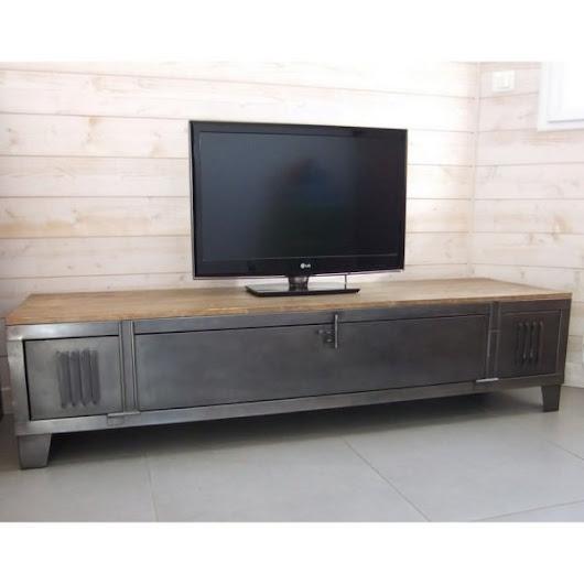 cr ation d 39 un meuble tv industriel avec ancien vestiaire d 39 usine. Black Bedroom Furniture Sets. Home Design Ideas