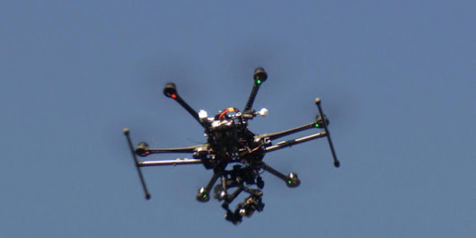 Eye Opener: Drone flies near landing plane at JFK