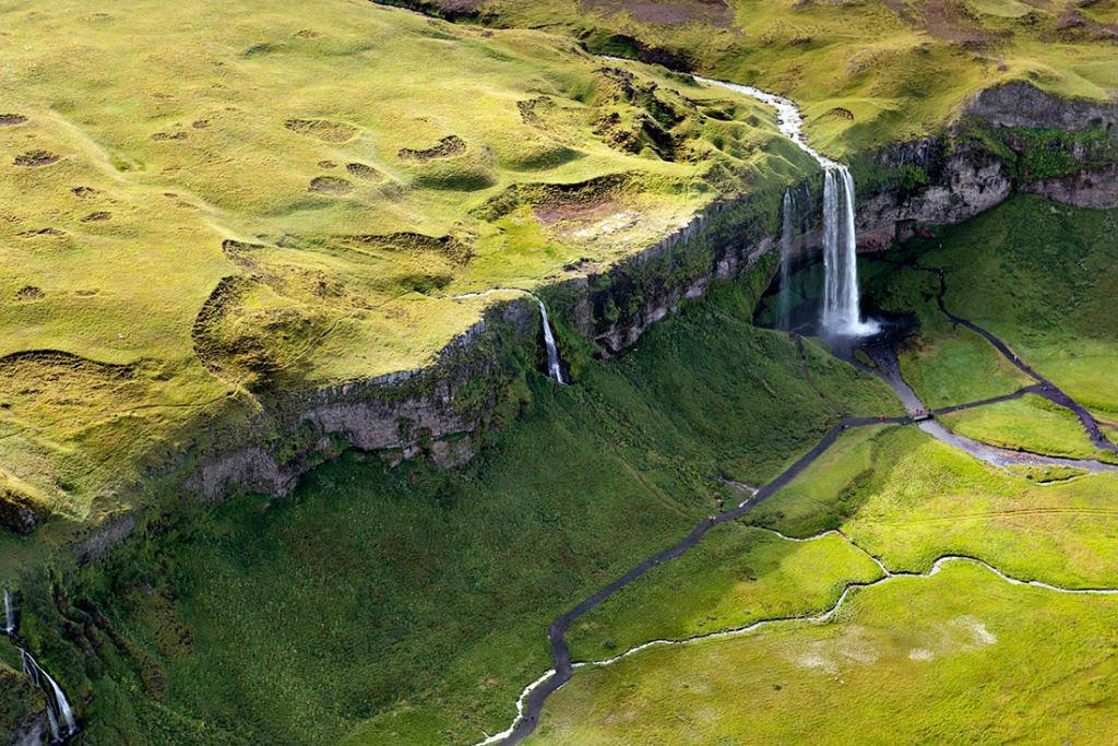 Impressionantes fotos aéreas das paisagens da Islândia 01