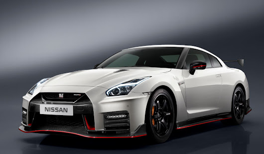 Nissan GT-R and Nissan Versa Note Win Top Awards