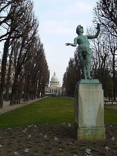 au fond, la Sorbonne.jpg