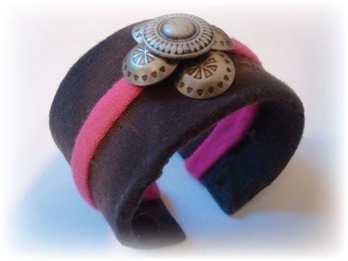 Easy 4 Step Toilet Paper Cuff Bracelet - DIY Tutorial