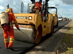 Pavimentação na BR-163 em Mato Grosso (Foto: Divulgação/TVCA)
