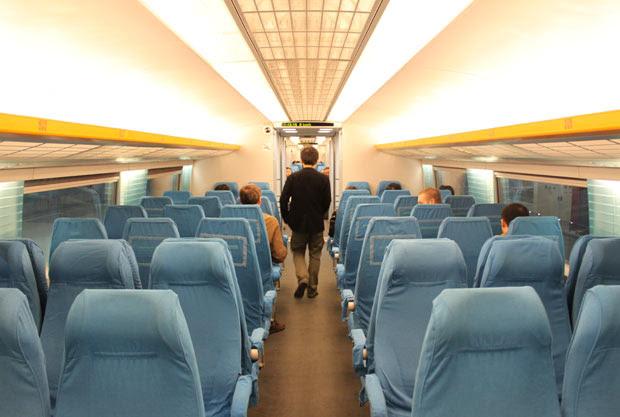 Trem de alta velocidade liga Shanghai a aeroporto com velocidade máxima de 431 km/h (Foto: Leopoldo Godoy/G1)
