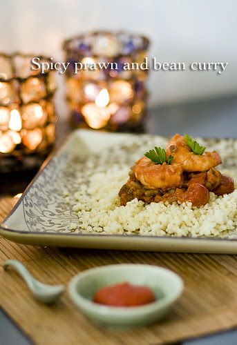 Spicy prawn and bean curry