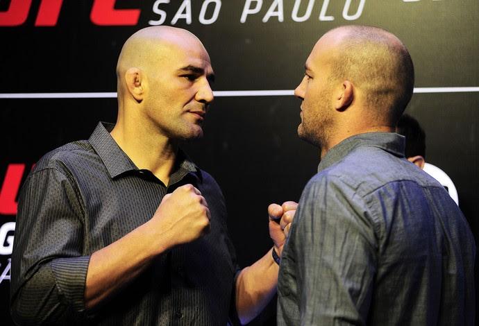 Encarada Glover Teixeira Patrick Cummins UFC São Paulo media day (Foto: Marcos Ribolli)