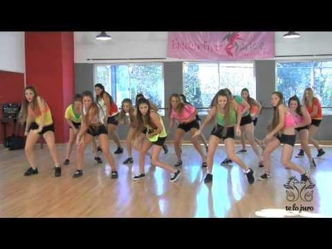 Videos De Zumba Zumba Fitness Paso A Paso On The Floor