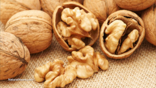 Prevent asthma attacks with the vitamin E found in nuts