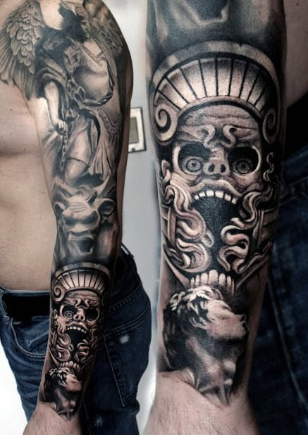 Mangas de tatuagem de tinta preta para homens