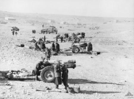 File:6 inch howitzers Tobruk Jan 1941 AWM 005610.jpeg
