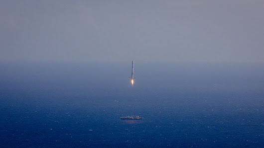 Tonight, SpaceX Will Attempt to Launch and Land Its Most Powerful Rocket Yet