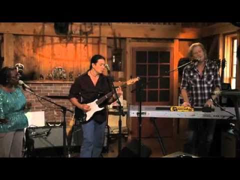"""Do What You Want, Be What You Are""-Daryl Hall, Sharon Jones - YouTube"