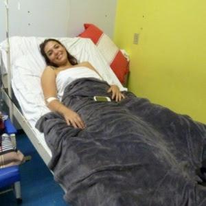 """Rafaela Teixeira, 22, disse estar """"indignada"""" com o ocorrido e reclama de falta de segurança no camarote"""