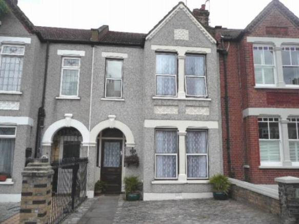 4 bedroom house for sale in Heathwood Gardens, Charlton ...